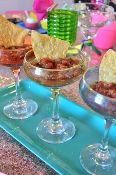 Love the stylish way the salsa is served in margarita glasses at this Cinco De M. - Love the stylish way the salsa is served in margarita glasses at this Cinco De Mayo Fiesta Dinner P - Salsa Party, Margarita Party, Margarita Glasses, Chili Party, Bbq Pitmasters, Dinner Party Decorations, Dinner Themes, Ramadan Decorations, Taco Bar