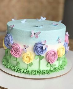 buttercream cake for men ; buttercream cake designs for men ; Pretty Cakes, Beautiful Cakes, Amazing Cakes, Cake Decorating Designs, Cake Decorating Techniques, Decorating Ideas, Decor Ideas, Buttercream Flower Cake, Buttercream Cake Designs