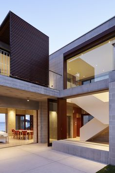 Built by Porebski Architects in Pearl Beach, Australia with date 2013. Images by Brett Boardman. Situated on the shore of Pearl Beach, an area where the bush meets the coast, the Block House is a secluded escape de...