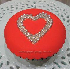 Wedding cupcakes- Love-hearts.