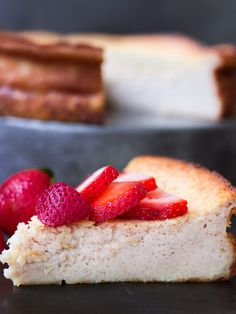 Quesada Pasiega (Spanish Catabrian Cheesecake) - this rustic cheesecake with yogurt from the north part of Spain is simple, not too sweet, and delicious Read Recipe by noshonit Spanish Desserts, Spanish Cuisine, Spanish Dishes, Spanish Tapas, Just Desserts, Delicious Desserts, Yummy Food, Spanish Recipes, Famous Spanish Food