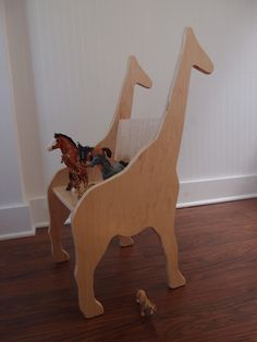 CHILD'S GIRAFFE ANIMAL CHAIR   Paloma's Nest