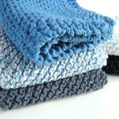 J'avais le goût d'un projet de tricot facile.. de fin d'hiver.. le genre  qu'on ne se casse pas la tête en tricotant mais où l'on retrouv...