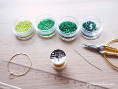 Colgante de círculo Mandala en tejido de punto de ladrillo en cuentas de Miyuki de Petit bout de cabou Beads, Ethnic Recipes, Collar, Comme, Diy, Log Projects, Crafts To Make, Small Rings, Double Knitting