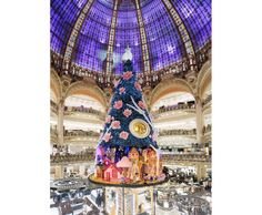 Galeries Lafayette Haussmann, Paris, christmas windows, swatch, 2013