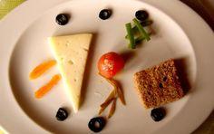 El entrante de Alicia Vicens: Pa amb oli de pan artesanal con tomate confitado, aceitunas garrapiñadas y queso de cabra mallorquín. http://www.esrecoderanda.com/