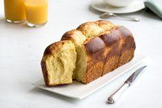 La recette de la vrai brioche de boulanger à la mie particulièrement filante et aérienne. Parfaite pour le petit-déjeuner ou le goûter.