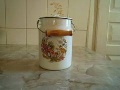 Vintage enamelware. Dish. Round. Camping bowl. White enamel