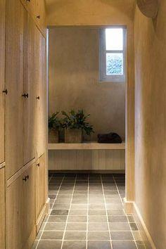 Mooie muren ...vloer en kleurencombi  Wood and belgian blue stone..