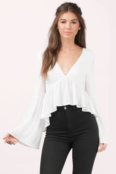 Kalista Lace Up Blouse - - Kalista White Blouse Source by Summer Dress, Summer Outfits, Casual Outfits, Cute Outfits, Look Fashion, Womens Fashion, Outfit Trends, Blouse Outfit, Blouses For Women