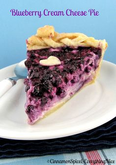 For blueberry season - Blueberry Cream Cheese Pie.Blueberry cream cheese pie is an unforgettable combination of cheesecake and blueberry pie. Just Desserts, Delicious Desserts, Yummy Food, Cheesecakes, Pie Dessert, Dessert Recipes, Blueberry Cream Cheese Pie, Cheese Pie Recipe, Yummy Treats
