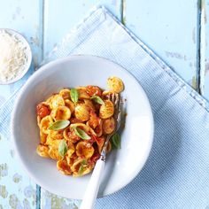 Orecchiette pasta with nduja sauce is a spicy pasta recipe that's made with a fiery pork paste from Italy's Calabria and fresh tomatoes. So speedy! Pasta Dishes, Food Dishes, Main Dishes, Spicy Pasta, Pasta Sauce Recipes, Dinner Party Recipes, Fresh Pasta, Food For Thought