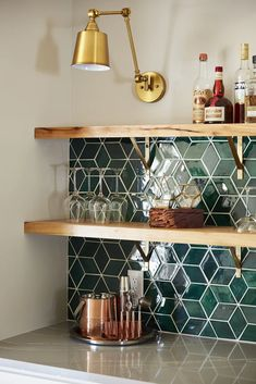 Fantastic Pic Ceramics tile projects Style Handmade Ceramic Kitchen Tile Projects by Mercury Mosaics Green Kitchen Walls, Kitchen Tiles, Kitchen Colors, Kitchen Wall Tiles Design, Kitchen Jars, Green Tile Backsplash, Tile Projects, Boho Kitchen, Home Kitchens
