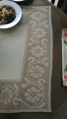 Mantel Crochet Ref 369 en internet - Salvabrani Crochet Borders, Filet Crochet, Crochet Lace, Chrochet, Doilies, Lace Trim, Needlework, Diy And Crafts, Embroidery