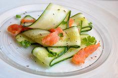 Uborkasaláta füstölt lazaccal Cucumber, Zucchini, Vegetables, Food, Essen, Vegetable Recipes, Meals, Yemek, Veggies