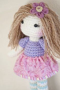 My first crochet doll with highlights! I love the way she turned out :)  ------  Rag doll // crochet doll // plush doll // one of a kind // handmade