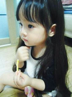 this is hyunki & kiwon's baby girl and no one can tell me otherwise