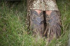 ifboots, grit, texas gals, sequins and fringe are your thing stop RIGHT here and take a seat.maybe grab a cup of coffee or a margarita if that's how your roll. {junk gypsy co}