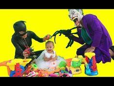 Người Nhện và Công Chúa Elsa Joker bắt nạt em bé chơi đồ chơi spiderman ...