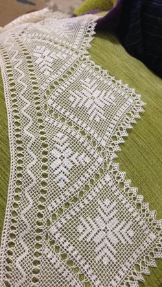 Needle Lace, Armoire, Knots, Lace, Crocheted Lace, Hardanger, Tejidos, Clothes Stand, Closet