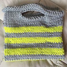 "@hey_jinny_'s photo: ""#woolandthegang#playwool#fbricyarn#handmade#knitting#knittinglife#loveknit#jerseybegood#crazysexywool#DIY#shopperbag#울앤더갱#플레이울#핸드메이드#쇼퍼백"""
