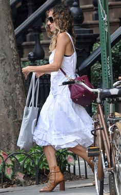 Sarah Jessica Parker with her new LV empreinte speedy