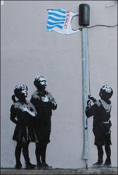 Notre nouvel étendard, le drapeau de supermarché... ? / Our new flag... ? / Street art. / By Banksy.