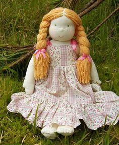 Do Songhurst Farm: Boneca De roupas recicladas