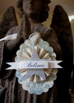 Set of 4 BELIEVE Christmas OVAL SCALLOPED Shabby Chic SILVER GLITTER STAR Gift Hang Tag ornament Paper Rosette French Market Damask Favor Party Hang Tag