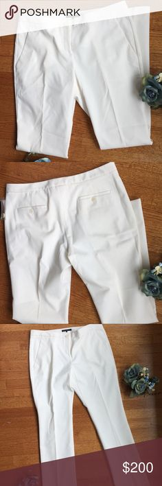 THEORY WHITE DRESS PANTS 👀LOOKING FOR OFFERS👀 on this... Beautiful white Theory pants. Never worn. Flare cut design. Offers welcome! No lowballing pls. Theory Pants Boot Cut & Flare
