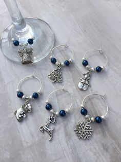 Christmas wine glass charms, set of 6 - table decor, festive charms, gift for wine lover, party accessories - Ilka Burburough Christmas Wine, Silver Christmas, Christmas Themes, Christmas Ornaments, Wine Bottle Charms, Bottle Art, Wine Bottles, Wine Ring, Wine Glass Markers