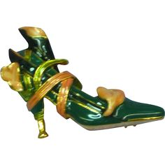 Vintage KJL Kenneth J Lane Enamel Calla Lily Shoe High Heel Pump Pin - found at www.rubylane.com @rubylanecom