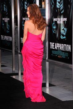 Ashley Greene, ¡supersexy en rosa!