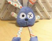 Doudou lapin grandes pattes - bleu écru : Jeux, peluches, doudous par melomelie