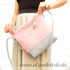 Ledertasche Fiona besteht aus hochwertigem veloursleder und ist 100% handgemacht! www.alpenkaetzle.de