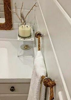 Pinder's Island Vista posted this DIY Rope Towel Holder on the blog today!