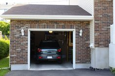 Check out some of the most common #garagedoor problems that Myrtle Beach #garagedoorrepair experts find every day as they perform their services.