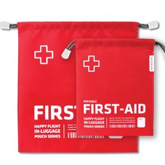 En cas de bobos pendant le voyage ou pour les premiers secours, il est bien pratique d'avoir une pochette de premiers soins à portée de main! http://www.deco-et-saveurs.com/trousse-de-toilette/4622-trousses-premiers-secours-alife-design-880935947422.html