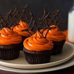Gâteau d'Halloween : le cupcake toile d'araignée