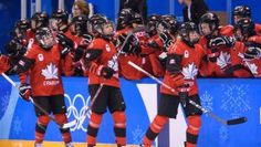 Team Canada's women's ice hockey team is off to a strong start at PyeongChang Rebecca Johnston led the way. Women's Hockey, Ice Hockey Teams, Soccer, Olympic Athletes, Olympic Team, Hockey Tournaments, English Projects, Figure Skating, Olympics