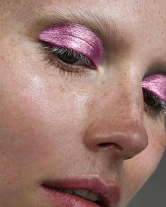 make up, techno, metallic, pink, eyes Makeup Inspo, Makeup Art, Makeup Inspiration, Makeup Tips, Hair Makeup, Makeup Ideas, Makeup Tutorials, Skull Makeup, Design Inspiration