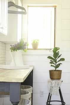 This laundry room makeover is amazing!