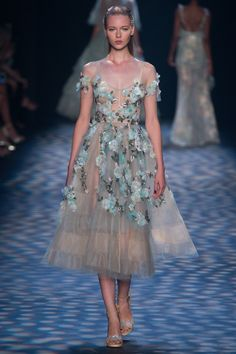 View the complete Marchesa Spring 2017 collection from New York Fashion Week. Fashion Week, Fashion 2017, New York Fashion, Couture Fashion, Runway Fashion, Fashion Show, Spring Fashion, Fashion Trends, Marchesa Spring