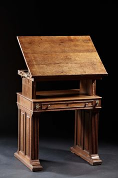 An Arts and Crafts Period Oak Drafting Table with Adjustable Slope image 3