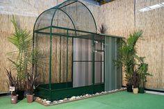 Luxury bird aviary