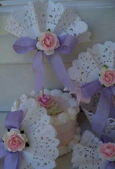 65 ideas for shabby chic party ideas paper doilies Paper Doily Crafts, Doilies Crafts, Paper Doilies, Lace Cupcakes, Diy And Crafts, Arts And Crafts, Tea Party Birthday, Mothers Day Crafts, Paper Flowers