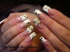 Scroll nails