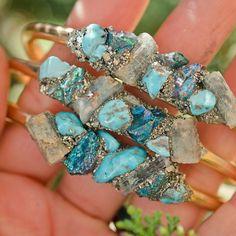Turquoise crystal cuff , aquamarine bracelet, gold bracelet https://www.etsy.com/de/listing/202293860/aquamarine-and-turquoise-cuff