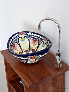 Farbenfreudige Waschbecken aus Mexiko für ein originelles Badezimmer oder Gäste W.C.