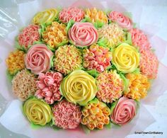 24 cupcake bouquet in pinks and yellows Summer Cookies, Baby Cookies, Easter Cookies, Heart Cookies, Valentine Cookies, Birthday Cookies, Christmas Cookies, Cookie Bouquet, Flower Cookies